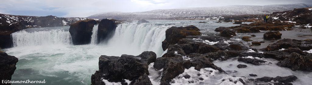 Cascada Godafoss. Esta cascada es conocida como la Cascada de los dioses.