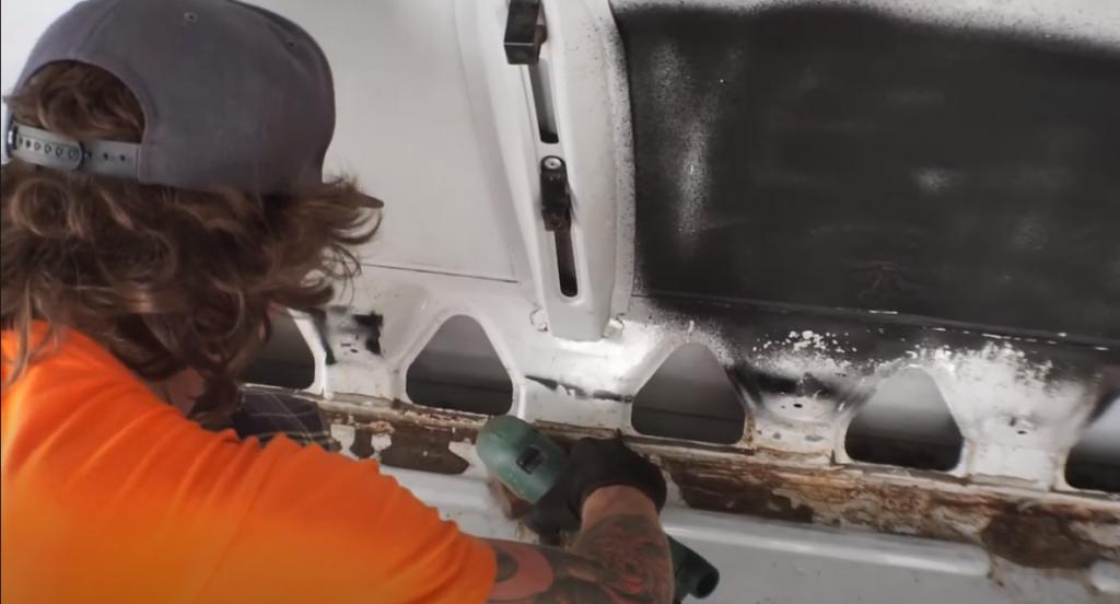 Lijar oxido furgoneta