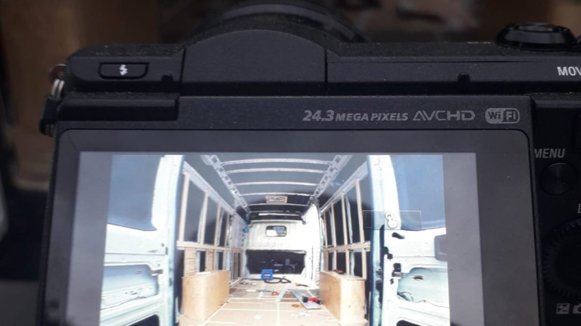 🪓Rastrelar y panelar una furgoneta camper